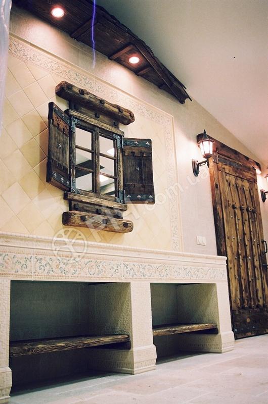 Дерев яні вікна двері в старовинному