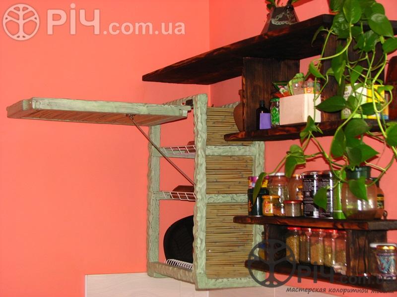 Дерев'яна кухня в стилі кантрі. Меблі в стилі кантрі з дерева.