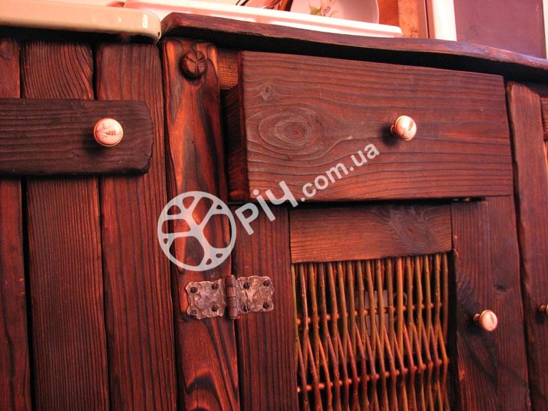 Меблі в стилі кантрі для кухні з дерева