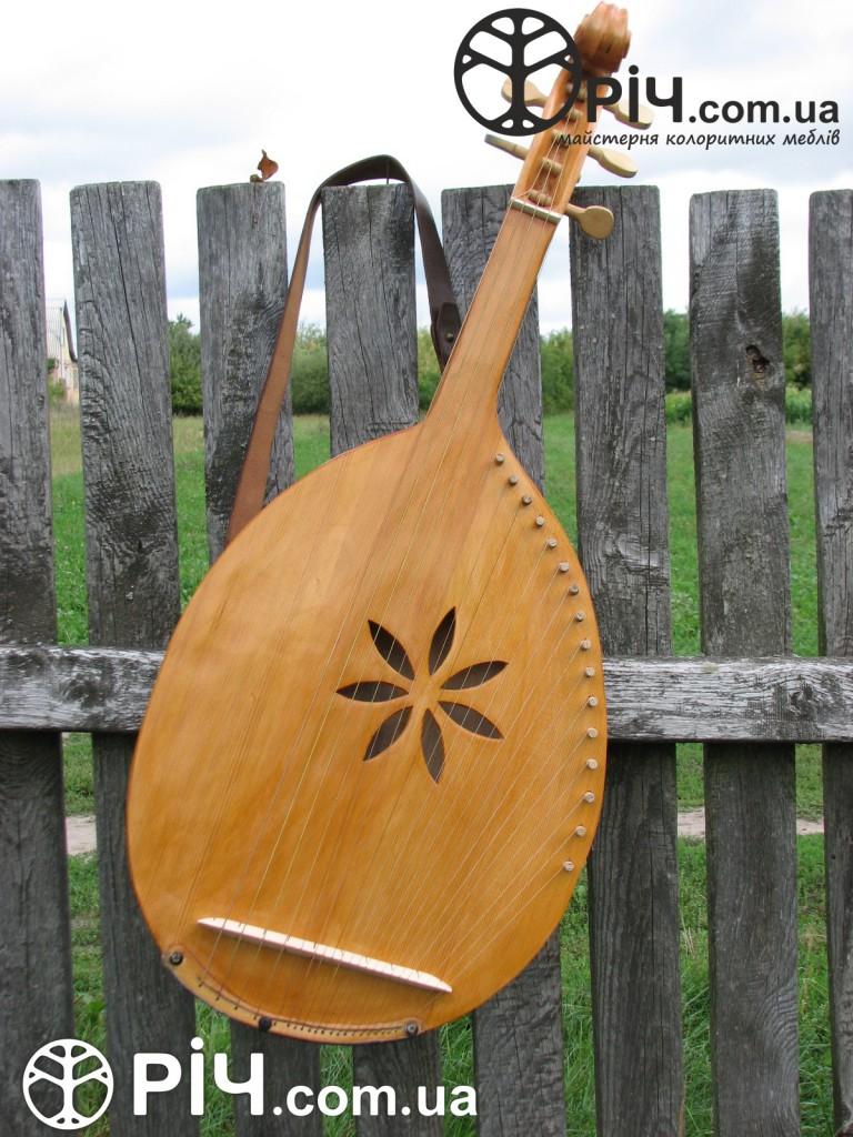 старовинні, автентичні музичні інструменти
