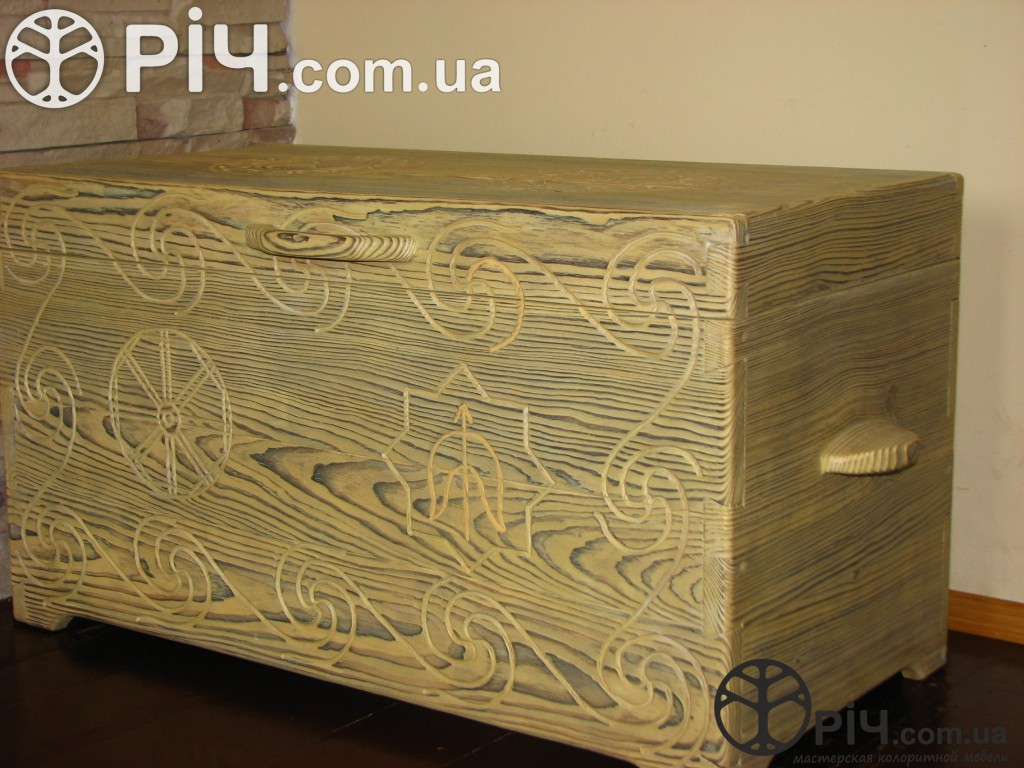 Скриня з дерева. Меблі з сосни під старовину.