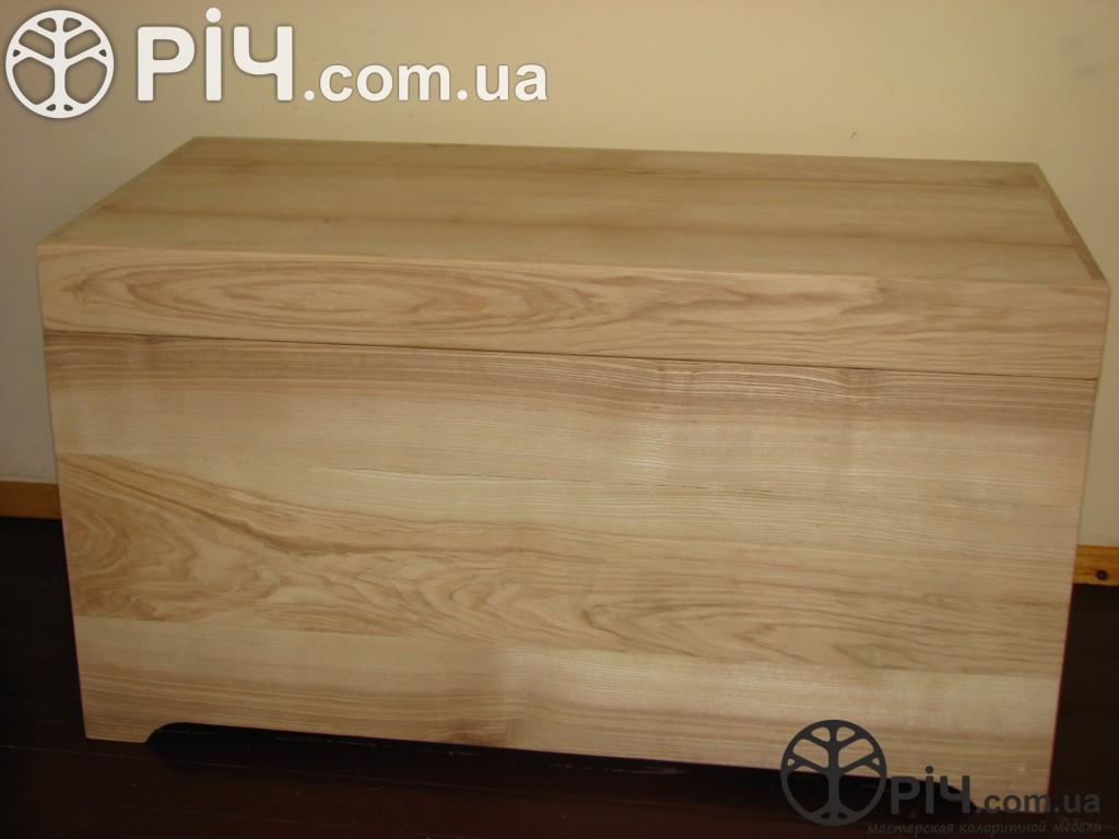 Ясенева скриня з дерева. Меблі з ясена в стилі кантрі.