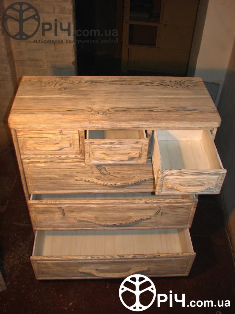 Комод з натурального дерева - всі деталі комоду виготовлено з дерева і шухляди (висувні полички) теж. Виготовлення на замовлення, Київ.