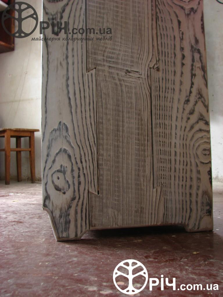 Комод з натурального дерева в стилі кантрі - Виготовлення на замовлення, Київ.