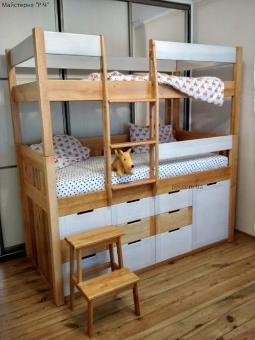 Ліжко з дерева, дитяче, двоповерхове.